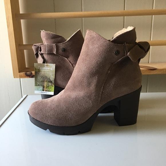 c296b6e4d2ba BearPaw Shoes - 🐻 BearPaw Eden Ankle Booties🐻